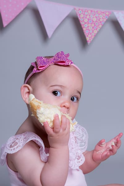Cake smash photoshoot Swindon